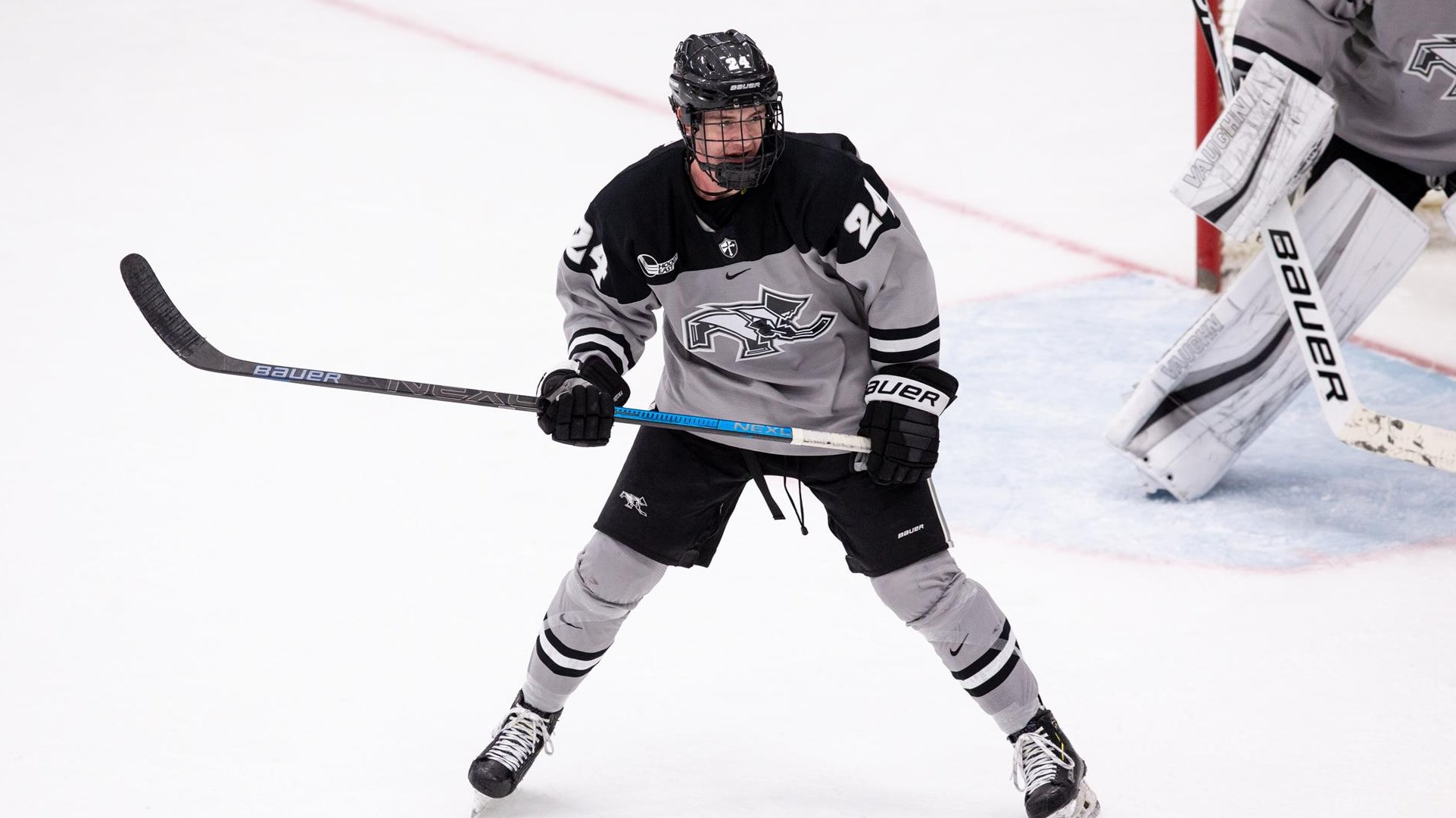 No. 11 Men's Hockey Opens Home-and-Home Series Against UNH on Friday